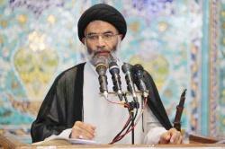 نماینده ولی فقیه در خوزستان : برخي مسئولان جوانان را از دين فراري مي دهند