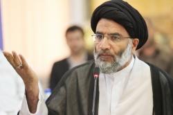 نماینده ولی فقیه در خوزستان : ۳۰۰ نقطه اهواز آب با فاضلاب تلاقی دارد