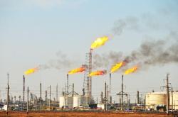 مدیرکل محیط زیست خوزستان : منفعت نفت باید شامل حال مردم استان شود