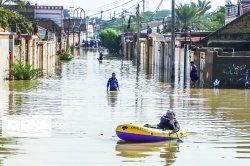 نماینده ولی فقیه در خوزستان :  نبايد در زمینه آبهای سطحی با بحران روبهرو شویم