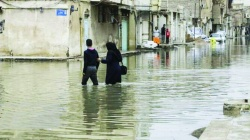 استاندار خوزستان : حل مشكل آبگرفتگی اهواز زمان بر است